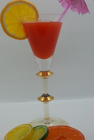 Tropical_cocktail_glass